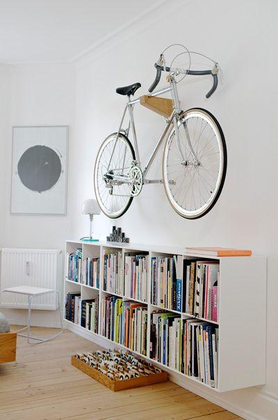 как хранить велосипед деревянная стойка.jpg